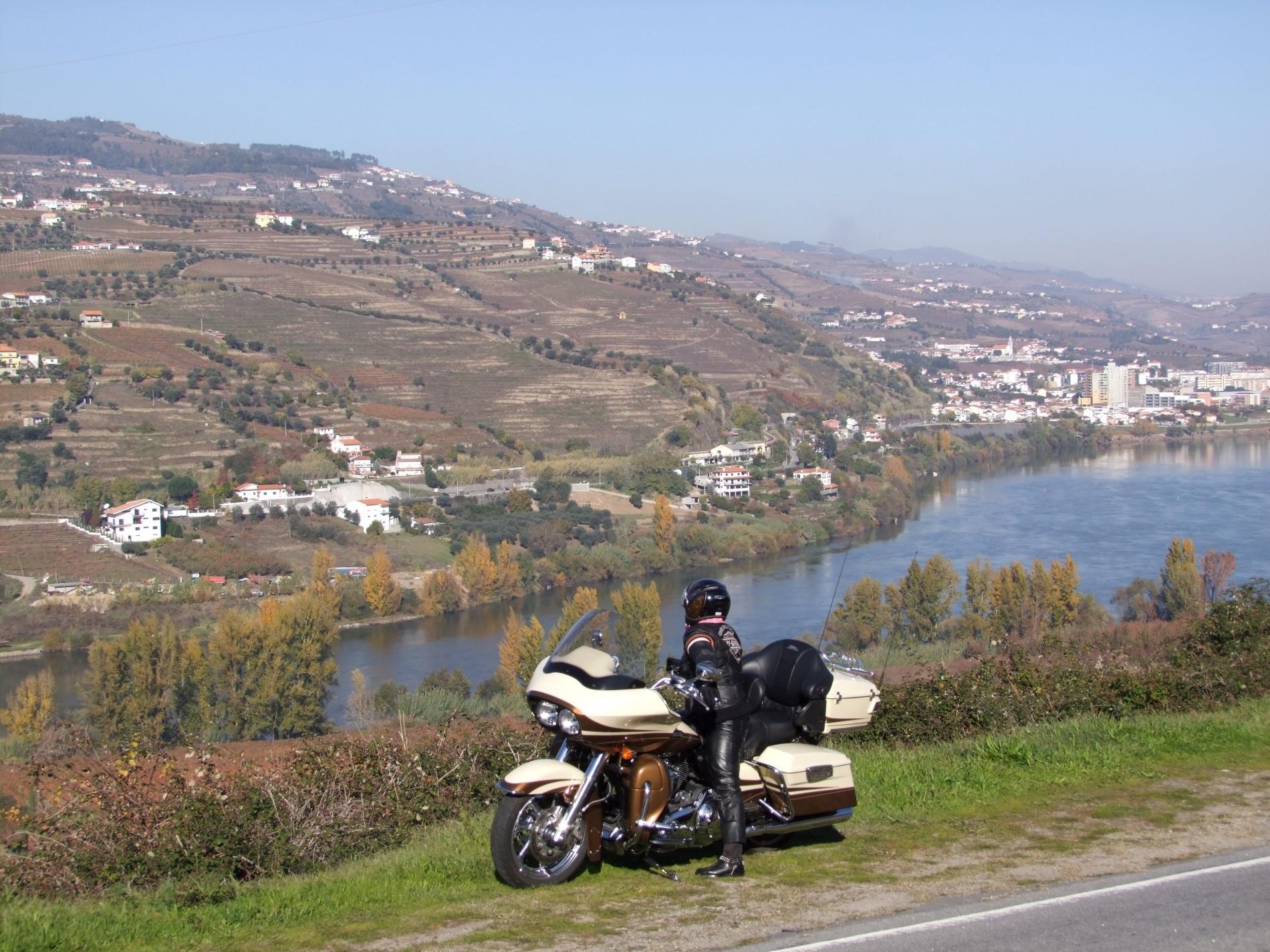 voyages moto au portugal routes et r gions cl s. Black Bedroom Furniture Sets. Home Design Ideas