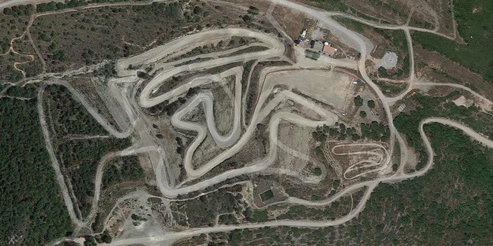 Vue aérienne du circuit du Montou Corbère-les-Cabanes