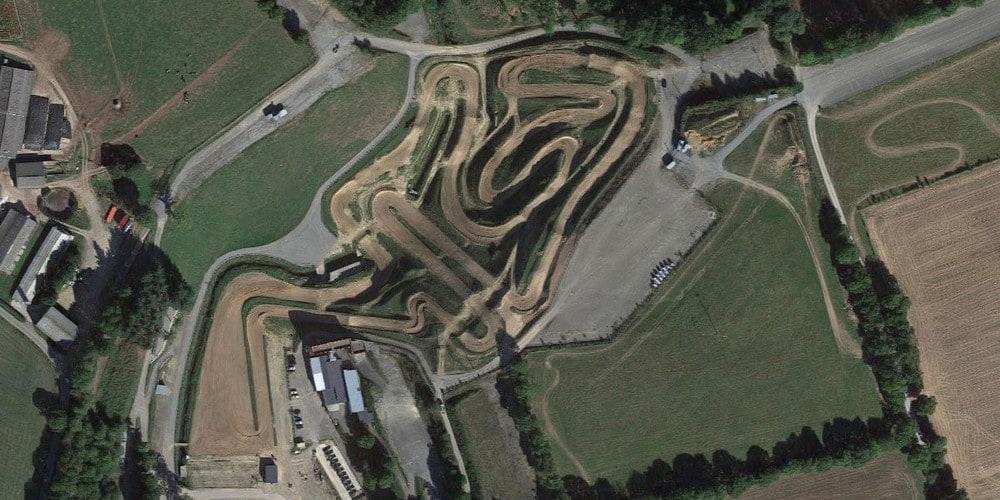 Vue aérienne du circuit d'Ernée