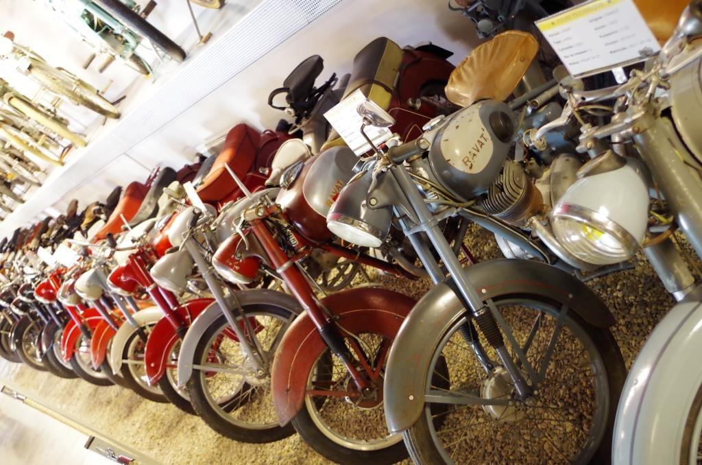Motos de la Grange à Bécanes